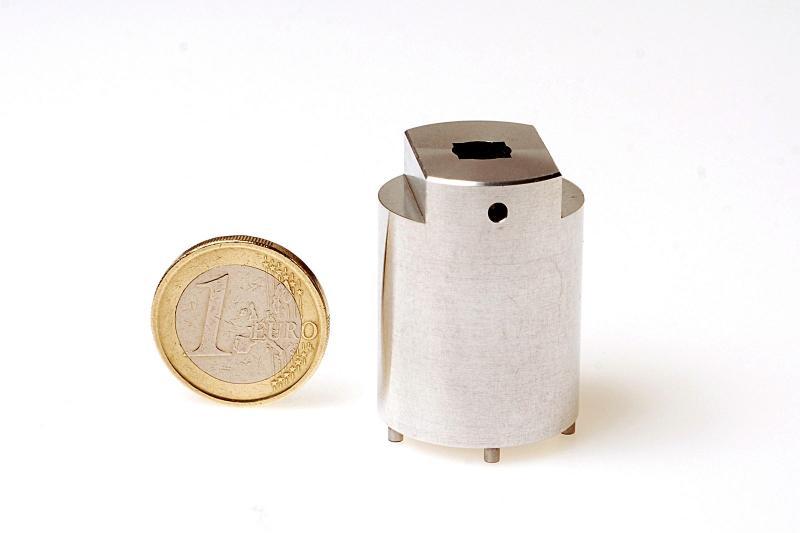 DE CRIGNIS INDUSTRY - Assemblage et montage d'outils en aluminium 2011