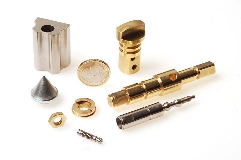 DE CRIGNIS INDUSTRY - Fabricant de pièces de précision pour le secteur de l'habitat et du bâtiment